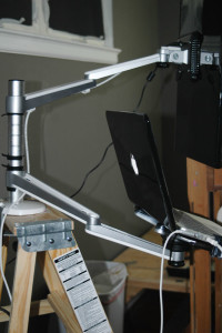 articulated-arm-monitor